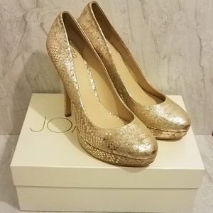 NIB Joan & David Gold Snakeskin Heels